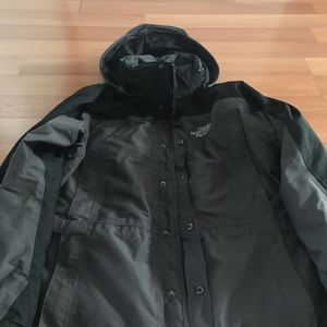 NORTH FACE HyVent Series Men's Jacket, NWOT, Large